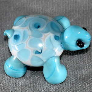 Turtle with pinwheel swirls on his back (no hole)